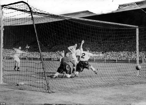 The last minute goal that gave Blackpool a 4-3 victory over Bolton in the Cup Final. William Perry (far left) was the scorer of the winning goal