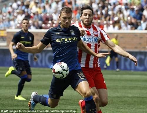 Замена: Арсен Венгер хочет защитника на замену Томас Вермален после бельгийский присоединился Barca