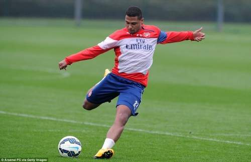 Serge Gnabry has also been out with a knee injury and he looked to be in good shape as he struck the ball during Monday's session